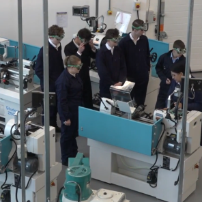 Overview of Colchester Student lathes and Clausing mills